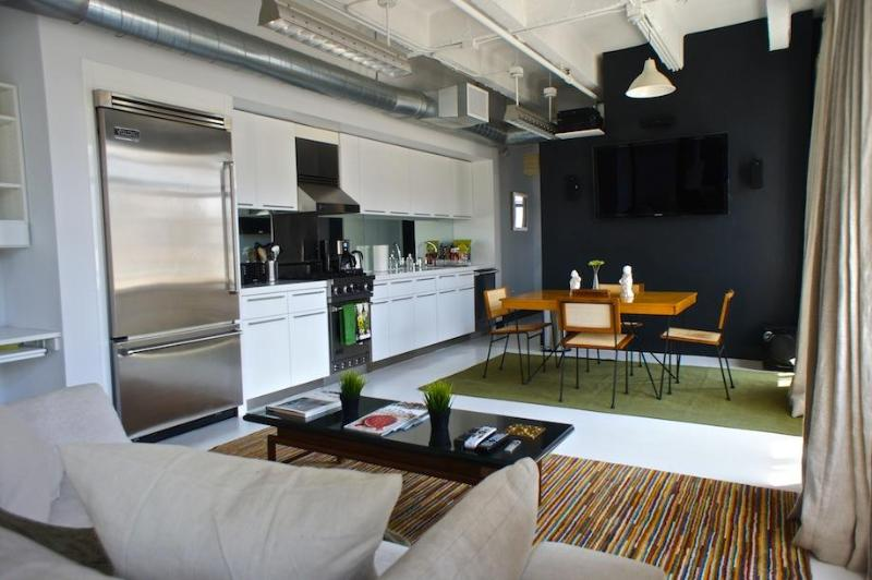 dine eat watch - 1101 Hollywood and Vine Loft - Los Angeles - rentals