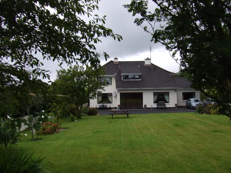 Exterior - B&B beside Mount Falcon Castle and The River Moy. - Foxford - rentals