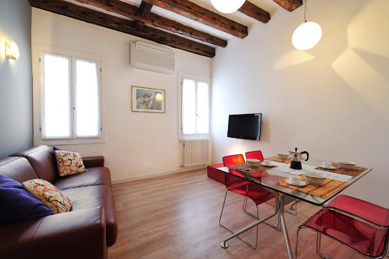 CA' DEI BOTTERI 3 - Image 1 - Venice - rentals