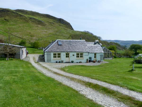 MULLACH, two bedroom property, open plan living area, hill views, in Ardfern, Ref 16246 - Image 1 - Ardfern - rentals