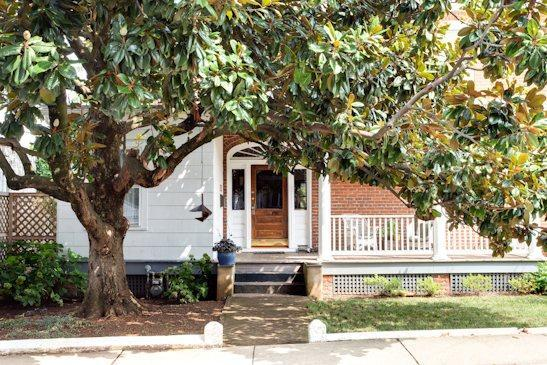 Graves St Magnolia, charming classic Belmont home - Image 1 - Charlottesville - rentals