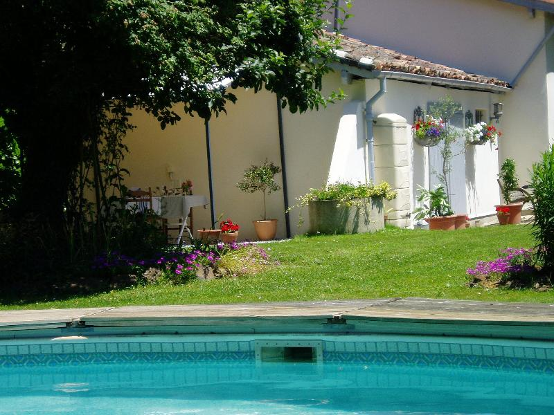 Pool and Terrace - Les Chenes Bed and Breakfast stay in France - Marpaps - rentals