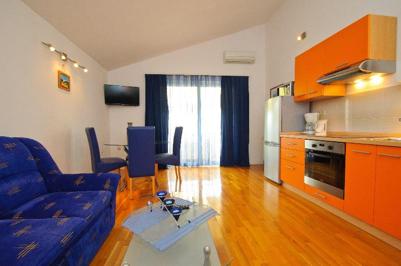 Living room / kitchen - Awesome home in Trogir center - free bikes - Trogir - rentals