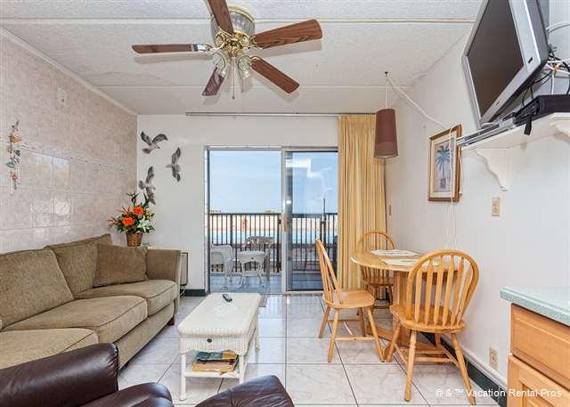 Our ocean view condo is poolside! - Beachers Lodge 102, Beach Front, Queen Sized Suite, Ground Floor - Saint Augustine - rentals