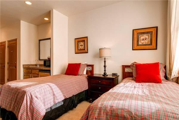 LIFT LODGE 201 B (HOTEL) - Image 1 - Park City - rentals