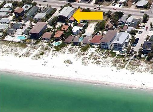 STEPS to beach!!! - Beachside Condo 3BR/1.5BA *** PETS OK - Indian Rocks Beach - rentals