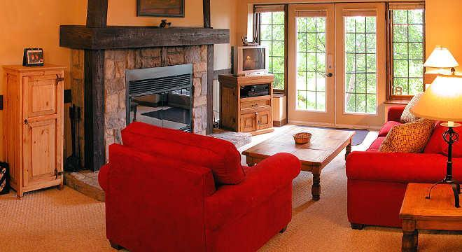 The living room - StayAtTremblant: Right on the Hill, ski-in / out - Mont Tremblant - rentals