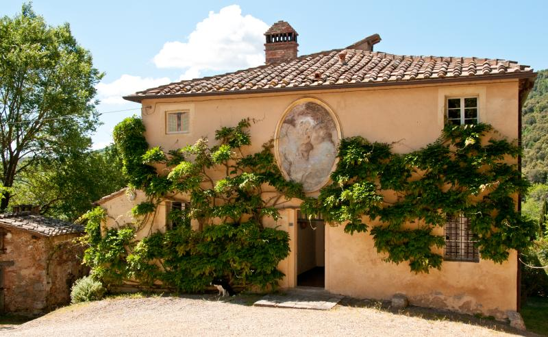 Elegant Farmhouse with a Private Pool and Cook Service in Tuscany - Villa Giardino - Image 1 - Sovicille - rentals