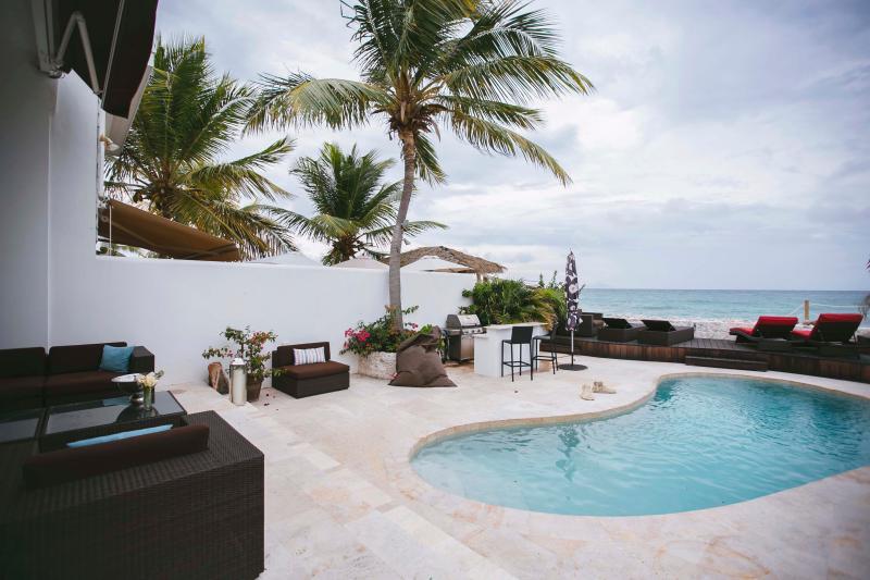 Magical Pool deck on the Caribbean ocean - HGTV Beach house  -  Private Pool - Sint Maarten - rentals