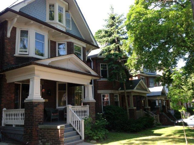 streetscape - Large family home, High Park/Roncesvalles - Toronto - rentals