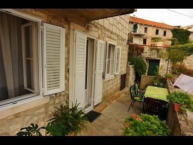 A2(4): terrace - 01101SUTI  A2(4) - Sutivan - Sutivan - rentals