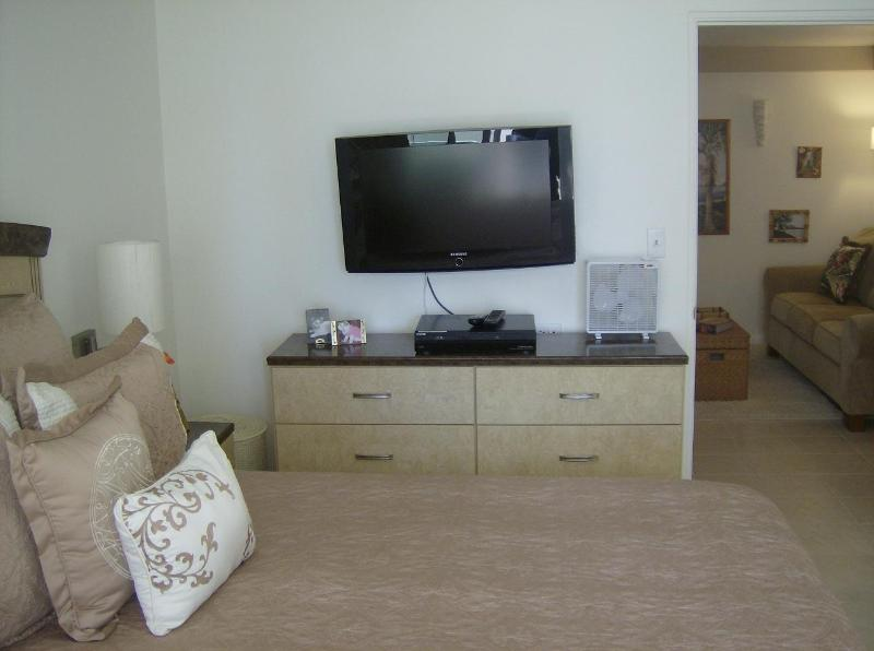 Penthouse 180 Degree Ocean & Surf View KV 1201 - Image 1 - Honolulu - rentals