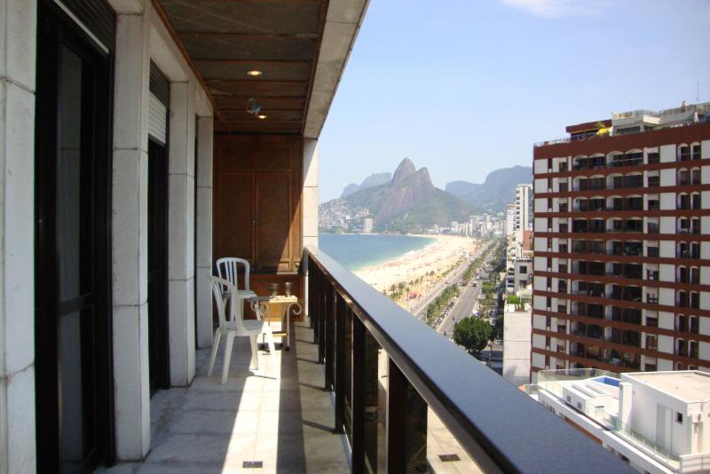 Amazing 3 Bedroom in front of Ipanema Beach!!! - Image 1 - Rio de Janeiro - rentals