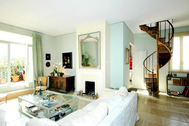 Splendid Trocadero 3 bedroom Penthouse, 5 sleeps - Image 1 - Paris - rentals