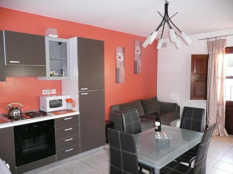 Modern 1 bedroom flat FREE AIRPORT TRANSFER - Image 1 - Msida - rentals