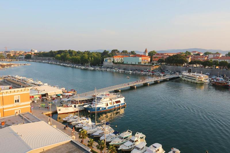 APARTMENT FOR 4 ON TOP LOCATION IN ZADAR - Image 1 - Zadar - rentals