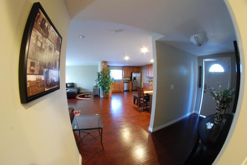 3 Bedroom Vacation House Near Disneyland - Image 1 - Anaheim - rentals