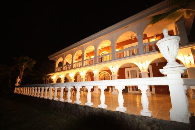 Elegant Tropical Estate in Paradise on 22 acres - Quebrada Estate with Resort  Pool/Spa Sauna & Lake - Montezuma - rentals
