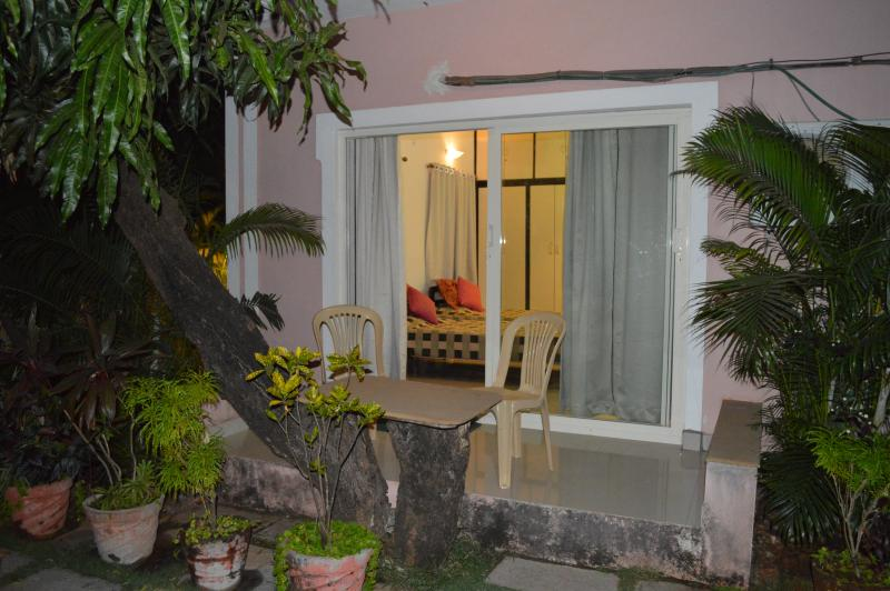 Studio apartment outside - Poolside Studio Apartments - Perfect for couples - Anjuna - rentals