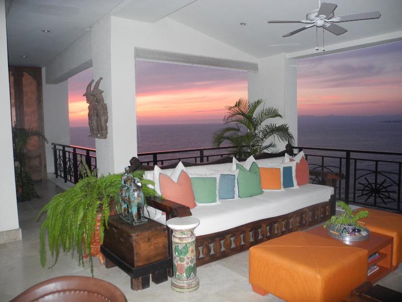 Lower Terrace - Ocean Front, Molino de Agua Penthouse - Puerto Vallarta - rentals