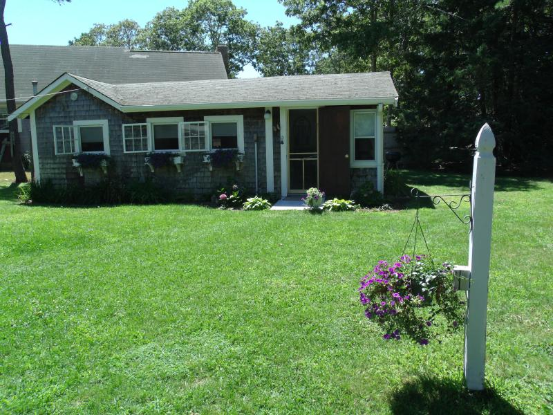 Outside front view - Quaint Summer Cottage- Hurry only a few weeks left - South Yarmouth - rentals