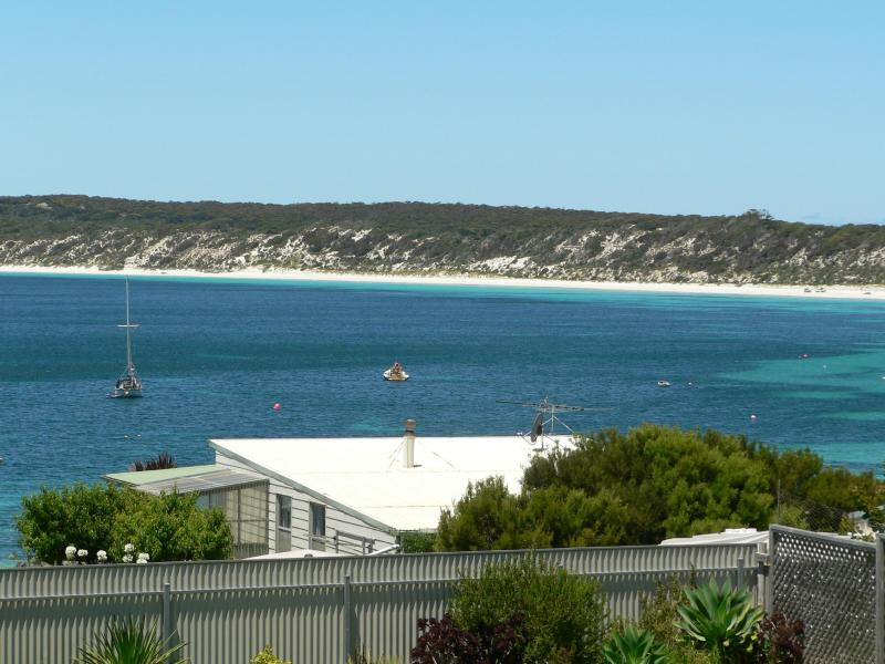 Stunning beach & ocean views from the sundeck - Fareview Beach House - Emu Bay - KANGAROO ISLAND - Emu Bay - rentals