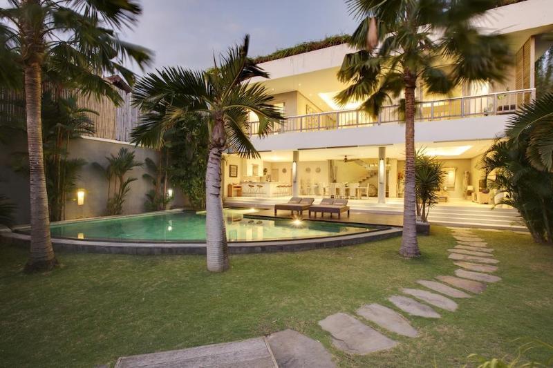 Luxury Villa Gasha with 3 bedrooms - Amazing Villa Gasha Welcome incl. daily Breakfast - Seminyak - rentals