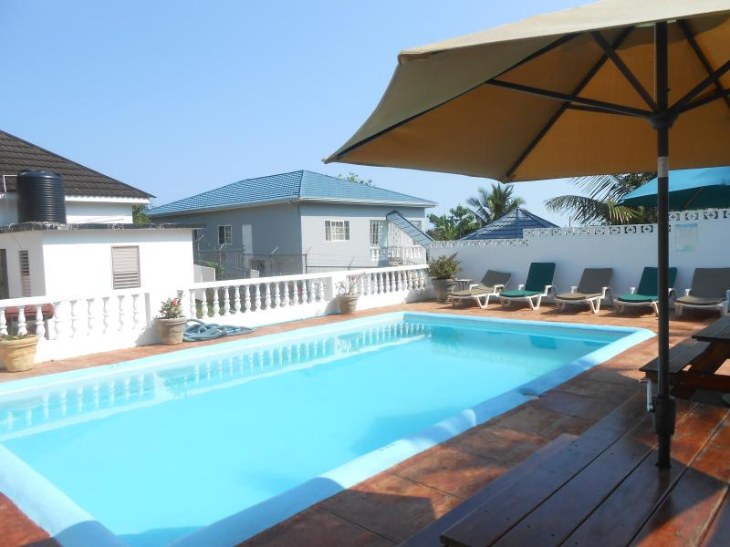 4 Bedroom Villa and Apartment with pool -Ocho Rios - Image 1 - Ocho Rios - rentals