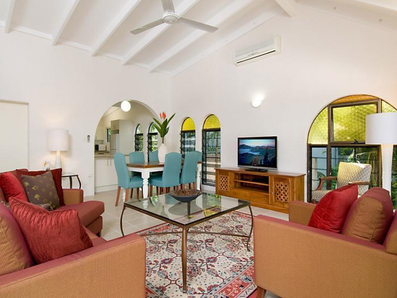 Las Palmas #3 - Prime Position & Location - Image 1 - Port Douglas - rentals