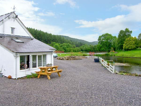 HARRISON'S COTTAGE, near to fishing, walks and the historic town of Ruthin, with a garden in Llandegla, Ref 16080 - Image 1 - Llandegla - rentals