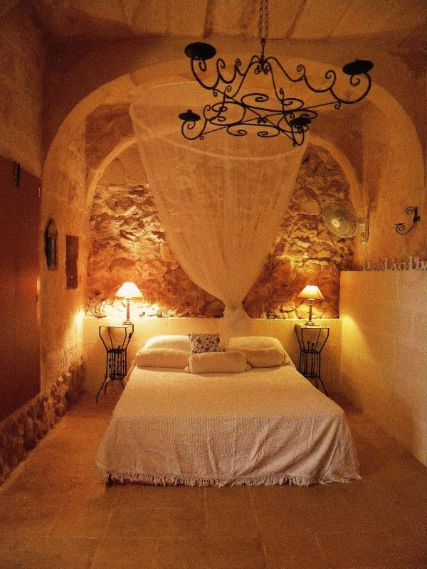 Bedroom - Gozo Farmhouse Dhyana, Oasis of Tranquility WIFI - Ghasri - rentals