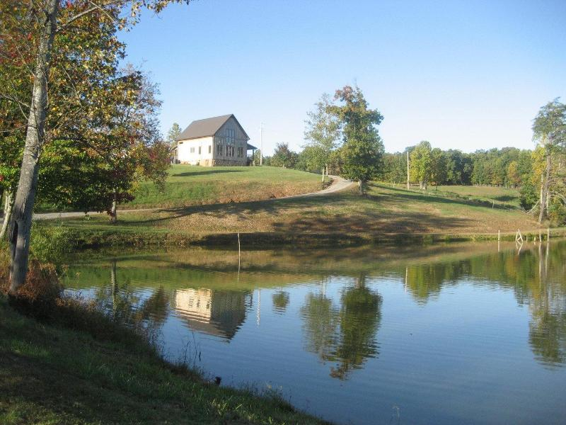 Cabin on 41 acres with 3 acre pond - Whippoorwill Cabin - Charming Cabin in Mt. Airy NC - Mount Airy - rentals