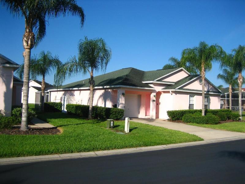 """Sunshine Villa"" 427 RD - Image 1 - Davenport - rentals"