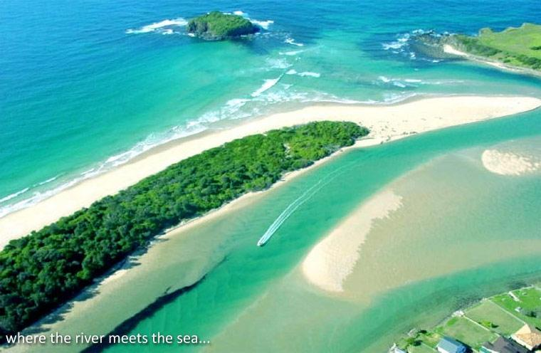 aerial view, villa bottom right - sunny 3 bedroom  river and beachside villa - Minnamurra - rentals