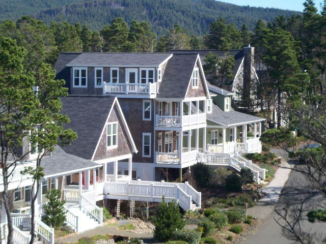 Large Family Friendly Home: 5 BR 3.5 Baths, HOTTUB - Image 1 - Oregon Coast - rentals