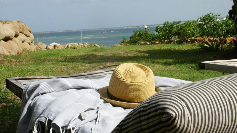 """SEA VIEW  """"Seaside Suite"""" FACE TO PINEL ISLAND - Image 1 - Orient Bay - rentals"""