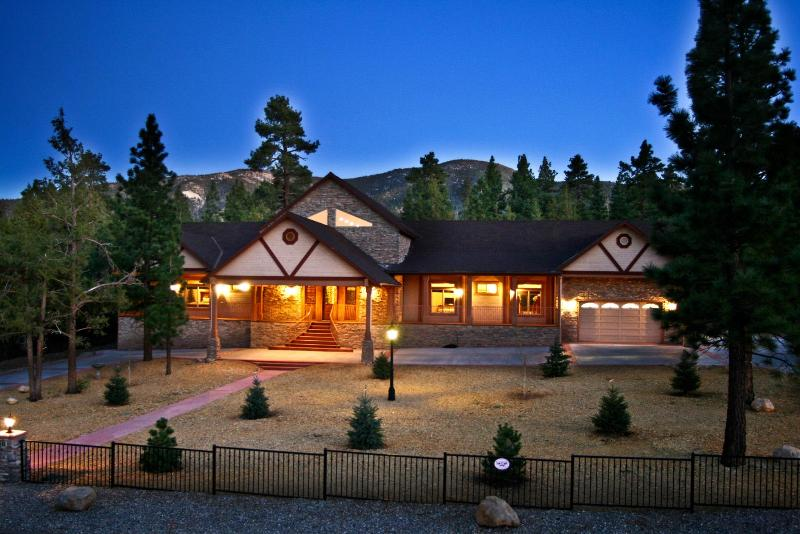 Appaloosa Estate - Appaloosa Estate - backing to National Forest - Big Bear City - rentals