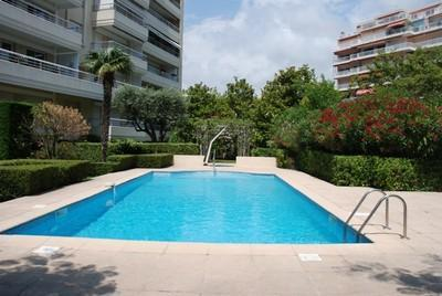 Golden Gate 1 Bedroom Cannes Flat with a Pool and Balcony - Image 1 - Cannes - rentals