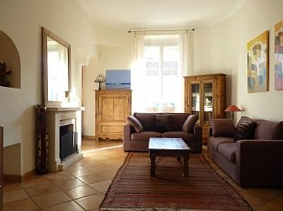 Beautiful 2 Bedroom Flat, Near Palais des Festivals and Beach, Gallieni - Image 1 - Cannes - rentals