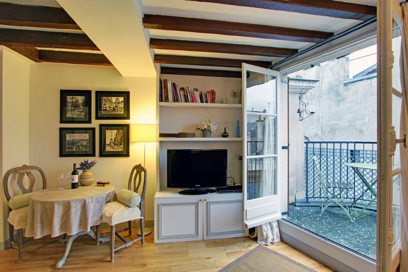 Studio with Terrace Paris Saint Germain Des Pres - Image 1 - Paris - rentals