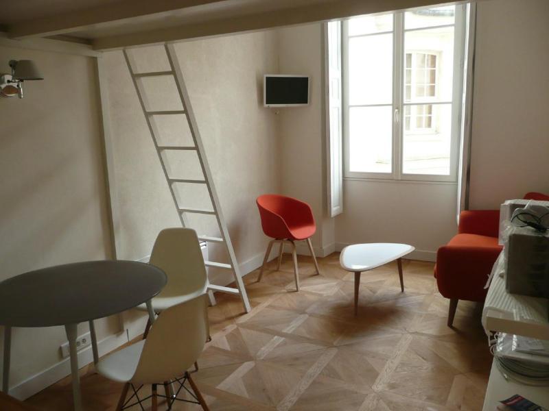 Tangerine studio in the center of Paris - Image 1 - Paris - rentals