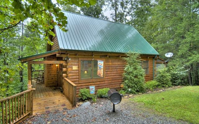 Bearway To Heaven entrance - Bearway To Heaven 2 BR 2 BA 10% off 04/15 - 04/20 - Gatlinburg - rentals