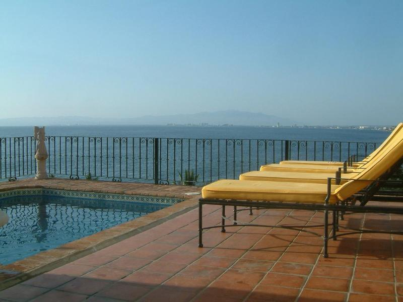 PRIVATE Heated Pool overlooking the Bay of Banderas. 270 degree views!!! - 7th DAY FREE! Panoramic View, Private Pool, Beach - Puerto Vallarta - rentals