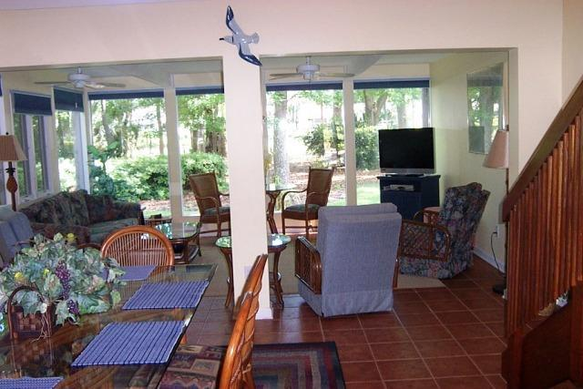 Living areas - 10,Seapines,5/min walk beach,wifi,bikes,Golf disc - Hilton Head - rentals
