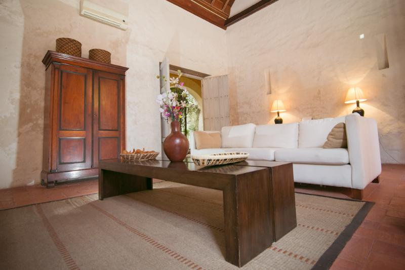 5 Bedroom Colonial Home in the Heart of Old Town - Image 1 - Cartagena - rentals