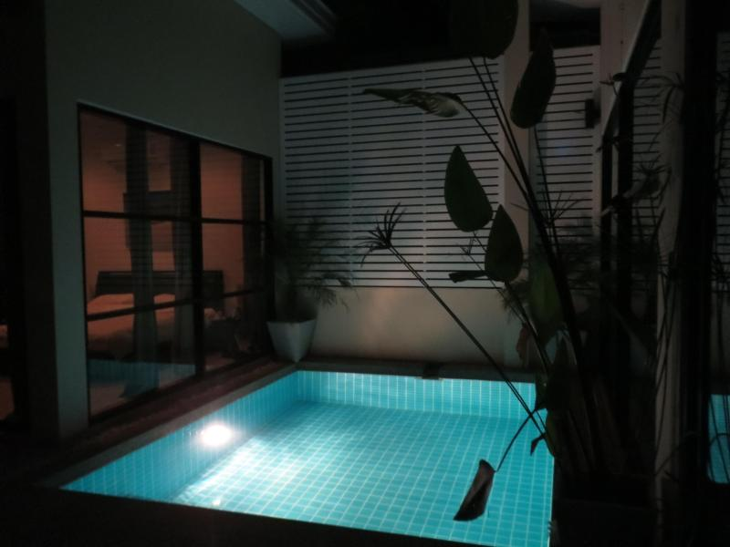 Pool area at night - Exclusive 2 bedroom pool villa, Koh Lanta - Ko Lanta - rentals