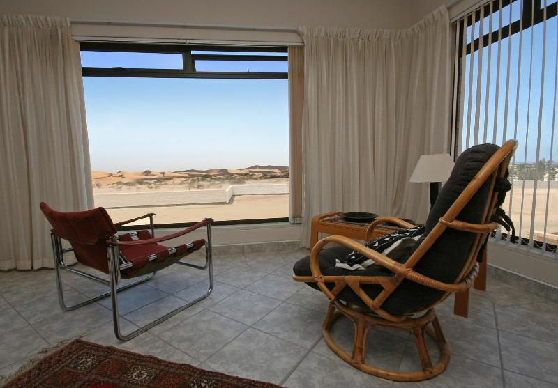 Lounge with view of dunes and atlantic ocean. - Chala-Kigi ...Dune View - Swakopmund - rentals