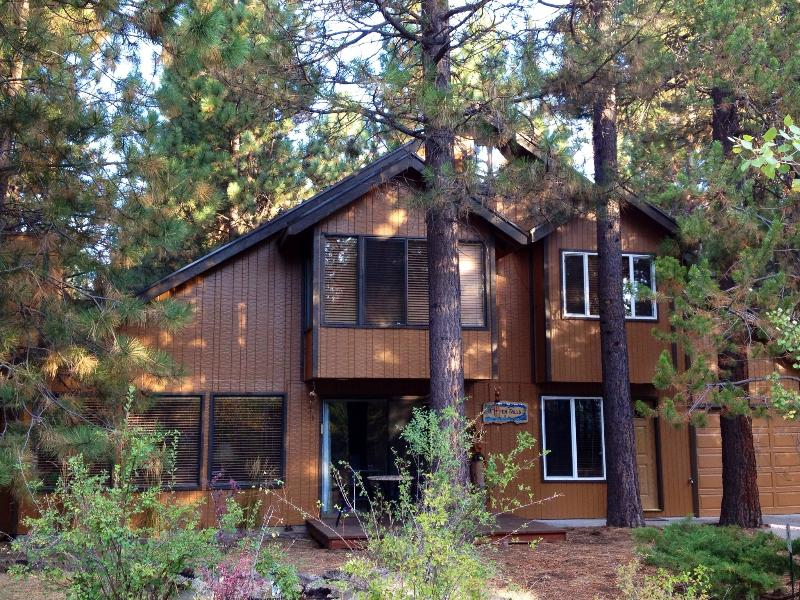 Aspen Falls, Sunriver - Cozy Cabin Among Towering Ponderosas. - Sunriver - rentals