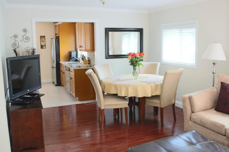 Charming and immaculate 3 br duplex! - Image 1 - Greenwich - rentals