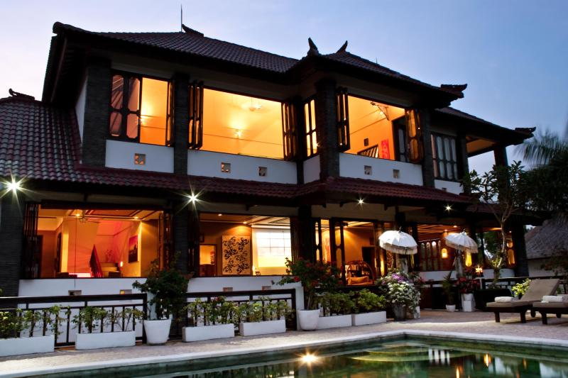 Upper floors from the outside at night - Huge 5 bed spa villa - G8 views/ b'fast + BBQ incl - Jimbaran - rentals